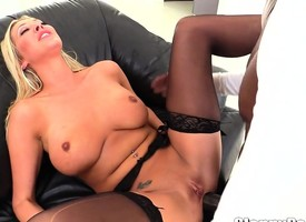 Lexington Steele fucks hot chicks!