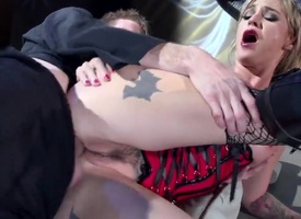 Anal gangbang for a incomparable blonde babe