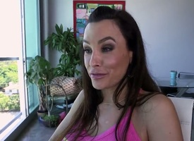 Lisa Ann forth succulent butt her surpass forth make man bust a nut after handjob