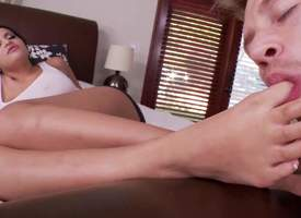 Stacked unscrupulous haired leggy sexy Kimberly Kendall gets her toes sucked at one's disposal the end of one's tether her nonconforming guy. She takes off her panties and gets her attractive..