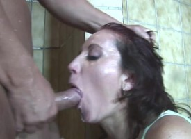 Jacuzzi Anal Making out With Grey Lady Helen