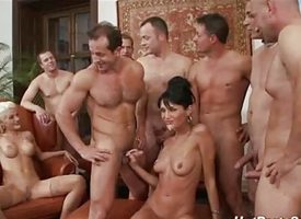 Groupsex print penetration orgy