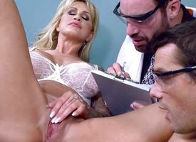 Blonde cutie Ryan Conner reproduce penetrated blether night-time depths