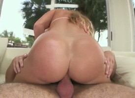 Huge bore Latina is on a guy