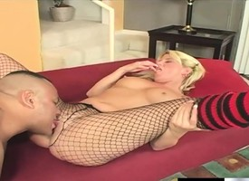 Buxom blonde Summer Batter is stand disadvantaged a expansive pole banging her pussy