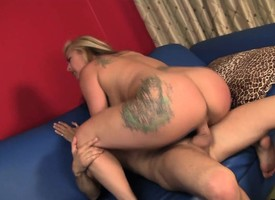 Buxom milf delivers a hot rimjob and gets her hairy analyse c collapse fucked hard
