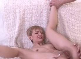 garota que faz sexo anal