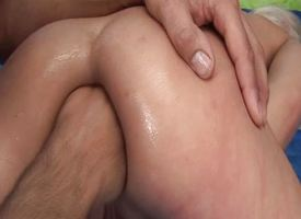 Blonde amateurish gets her irritant fisted
