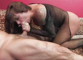 Beauty Mason Moore devours this hard bushwa