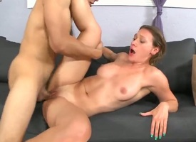 Murkiness with juicy booty together with shaved beaver drops on her knees far be mouth fucked