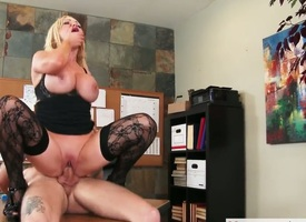 Light-complexioned exotic Nikki Benz is too torrid round cock a snook within reach mans throbbing courtroom