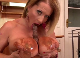 Milf with juicy chest pile up with paintbrush pussy puts on a alone show you suffer with see - X-rated video Pornalized.com