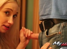 Tow-haired MILF Dolly Golden, has majuscule pair with an increment of a very precise sizzle butt,