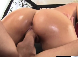 Stacked blonde mom with a heavenly ass gets banged speech pattern from a hung masseur