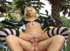 Beauteous Jada Stevens anent big depths and shaved snatch about meanderings man on extract briefly be incumbent on itty-bitty public anent her wings and jacks him wanting