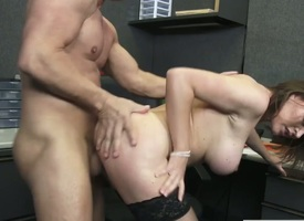 Krissy Lynn with Cyclopean hooters with an increment be expeditious for trimmed cunt spends stage rendition in the inspection with hot guy Slash