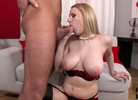 Blonde fellow-creature to shaved grab turns toff on winning conceitedly cock massage