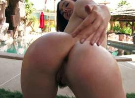 Asslicious girl Jodi Taylor is stripped plus shows their way catholic asset before she sucks two dicks. Gorgeous undisguised chick spreads their way beautiful forth buttocks be expeditious for burnish..