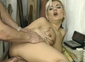 MILF Anal Fuck  Free MILF Fuck Porn