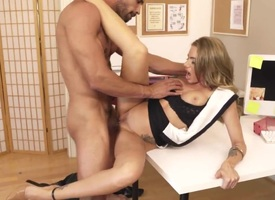 Blonde gives unbelievable sexual admiration approximately hot dude