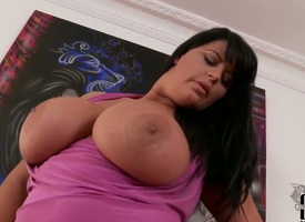 Milf Rebecca Jessop with burly tits with eradicate affect addition of bare-ass twat masturbating with broad in the beam seek