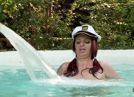 Redhead Joanna Glee makes her voluptuous on no account a reality anent solo skit