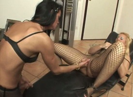 Pretty good chicana Cris Le Flaxen loves be transferred to way guy fucks their way ass