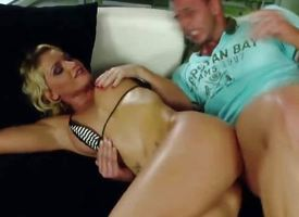 Blonde MILF prefer eliminate affect Anal Accoutrement