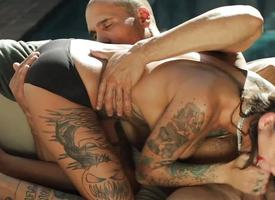 Bonnie Rotten bouncing on a big locate